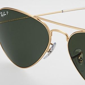 RaY-BaN Iconic Gold Rimmed Aviator Sunglasses